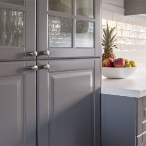 Kitchen_respray_painting_cabinets
